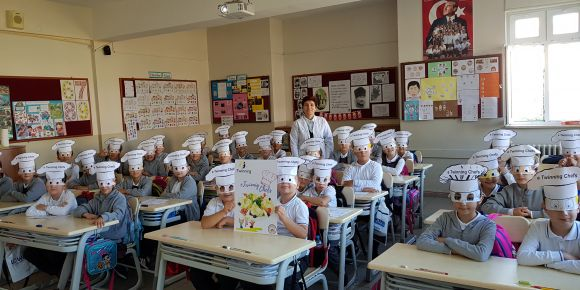 3/F  sınıfı öğrencileri eTwinning Chefs Projesine başladı