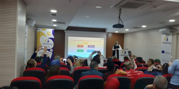 E-twining Kalite Ödülü İçın Eğitimdeyiz