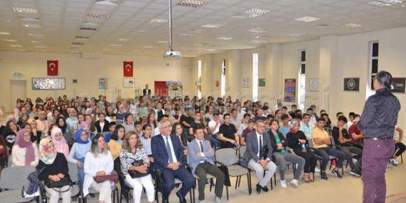 Elbistan Fen Lisesinde ilk dersi Prof. Dr. Yıldırım verdi