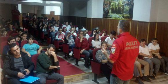 Akut okulumuz öğrencilerine eğitim semineri